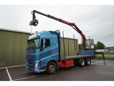 VolvoFH 540 6X4 LOG TRANSPORT WITH PALFINGER Q150Z96 CRANE