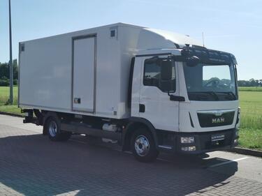 MAN8.180 L2000 8.6 ton gvw/ isokoff