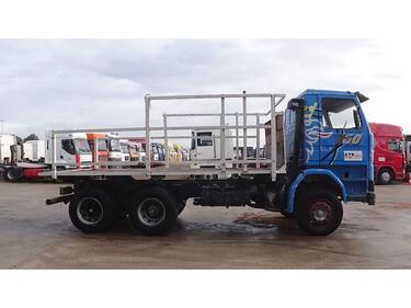 Scania112 - 360 (6X4 / SUSP. LAMES / POMPE MANUELLE / 10 ROUES)