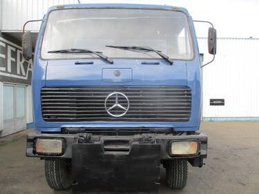 Mercedes Benz2628 , 6x6 , V8 , Manual , 3 way tipper, spring suspension