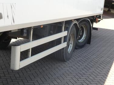Другое2 AXLES TAILLIFT steeraxle carrier