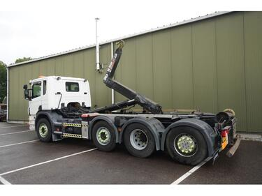 ScaniaP 320 8X2 HOOKARM SYSTEM 318.000KM 3 PEDALS